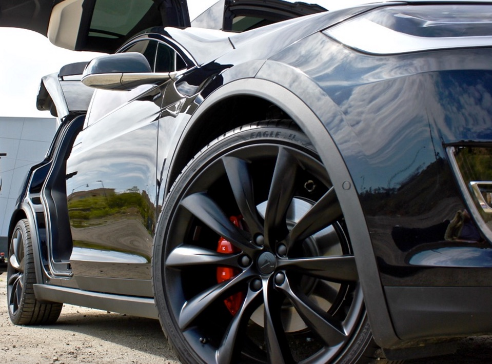 "Tesla Model X with 22"" Rims"