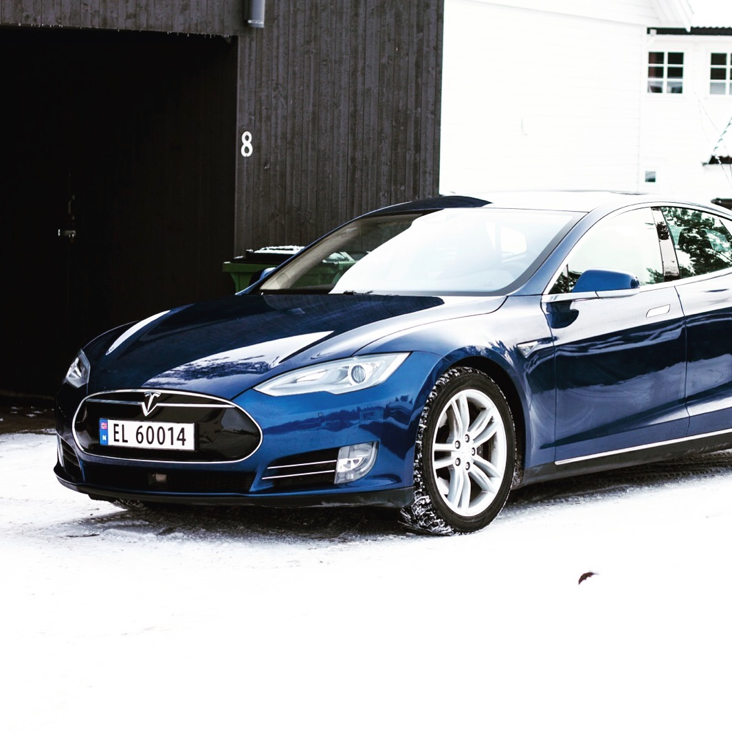 Tesla Model S Winter